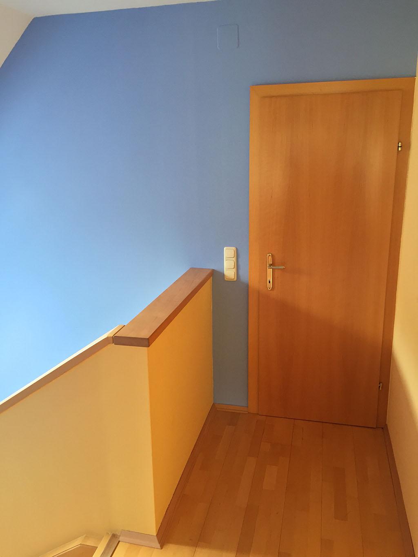 farbgestaltung treppenhaus einfamilienhaus. Black Bedroom Furniture Sets. Home Design Ideas